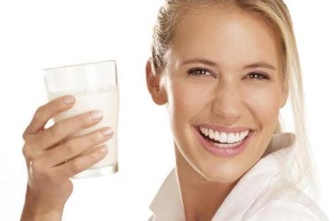 Bahaya Akibat Terlalu Banyak Minum Air Putih
