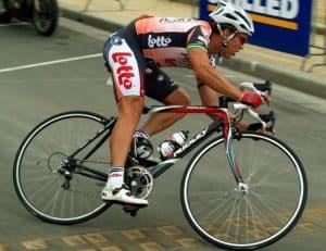 olahraga membakar kalori - bersepeda