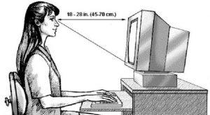 Posisi monitor komputer yang benar