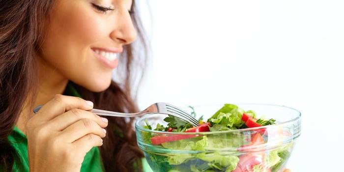 Intip 6 Cara Cegah Makan Berlebihan Saat Coba Turunkan Berat Badan