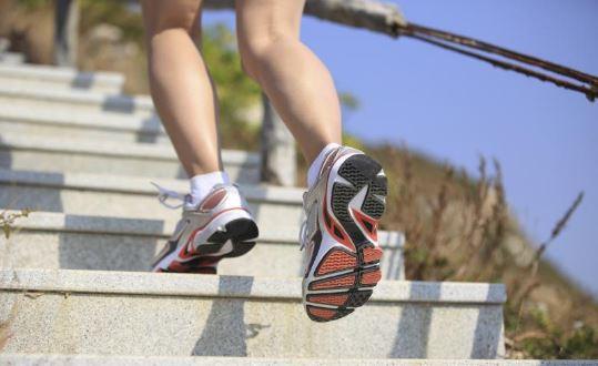 Ingin Bakar Lemak Singkat Cepat Tapi Efektif? Coba 7 Olahraga Ini!