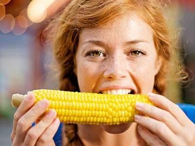 Waspadalah, 5 Gangguan Kesehatan Ini Bisa Terjadi Kalau Makan Jagung Kebanyakan