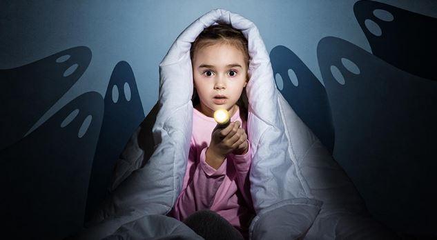 Ini 8 Alasan Kenapa Ajak Anak Nonton Film Horor Itu Tidak Dianjurkan