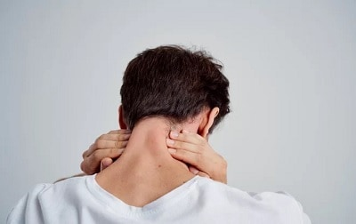 Mengerikan! Pria 28 Tahun Terkena Stroke Setelah Meretakkan Leher Sampai Berbunyi, Ini Penyebabnya