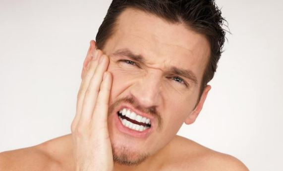 Minyak Rem Dijadikan Obat Sakit Gigi, Pria ini Alami Infeksi