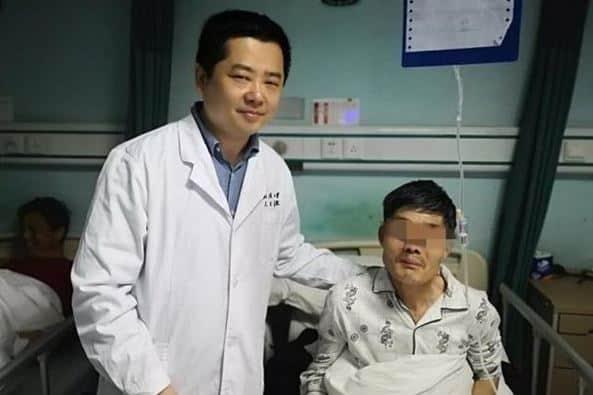 Pria 63 Tahun Muntahkan Tumor Sendiri Usai Minum Alkohol Terlalu Banyak