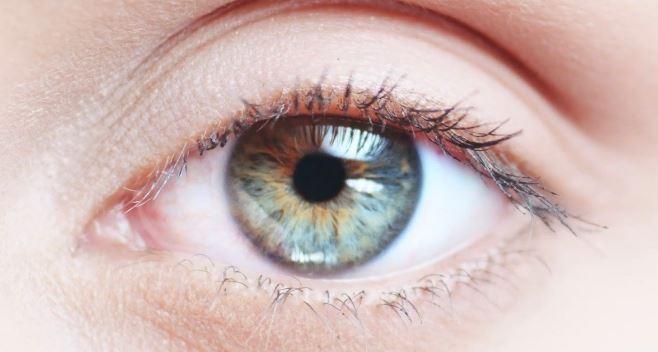 Mengira Bulu Mata Masuk, Mata Kanan Wanita Ini Jadi Setengah Buta