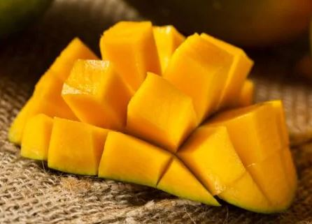 Suka Makan Mangga? Hati-hati, Ini 8 Akibatnya Kalau Berlebihan