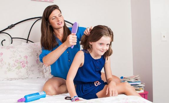 Gadis 10 Tahun Ini Kejang Lalu Pingsan Usai Rambutnya Disisir