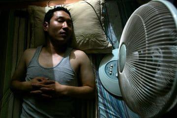 5 Bahaya Tidur dengan Kipas Angin di Malam Hari