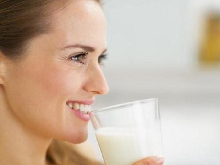 Benarkah Minum Susu Akan Mencegah Osteoporosis?
