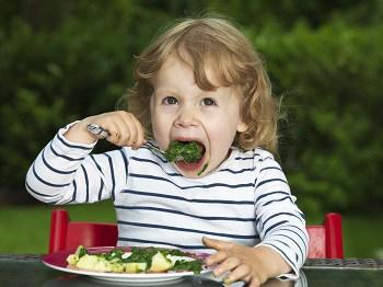5 Nutrisi Penting untuk Mencegah Anemia pada Anak