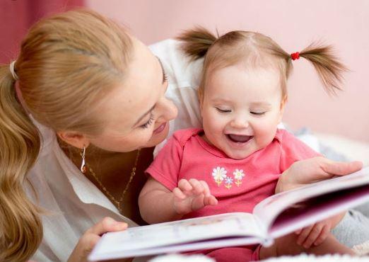 Manfaat Membacakan Buku pada Balita