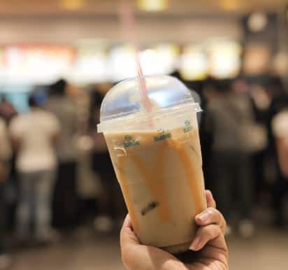 Rutin dan Berlebihan Minum Milk Tea Pria Ini Sampai Alami Koma, Kok Bisa?