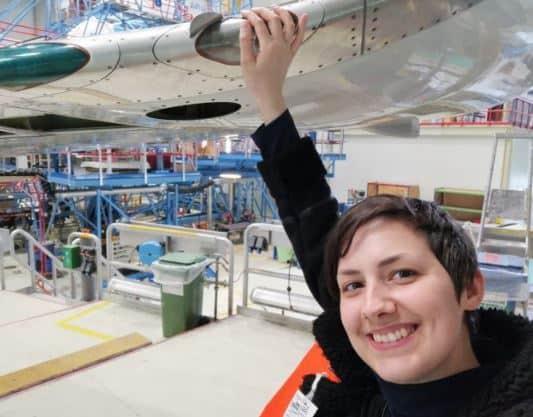 Kenali 4 Fakta Objectophilia, Kondisi yang Bikin Wanita Ini Ingin Menikahi Pesawat