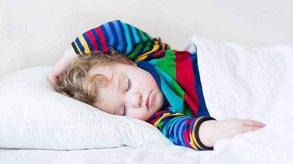 Manfaat Tidur Siang Untuk Balita