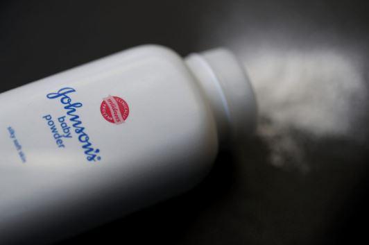Terkontaminasi Asbes, Bedak Johnson & Johnson Ditarik dari Pasaran?