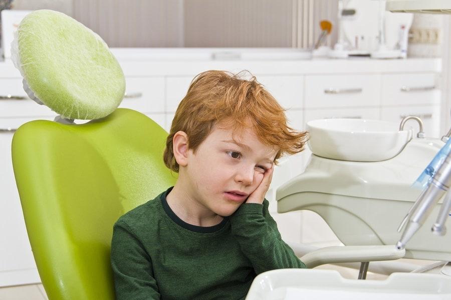 20 Gigi Bocah 4 Tahun Ini Dicabut Karena Membusuk