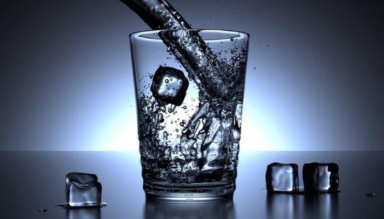 Minum Air Es Bikin Gemuk atau Kurus
