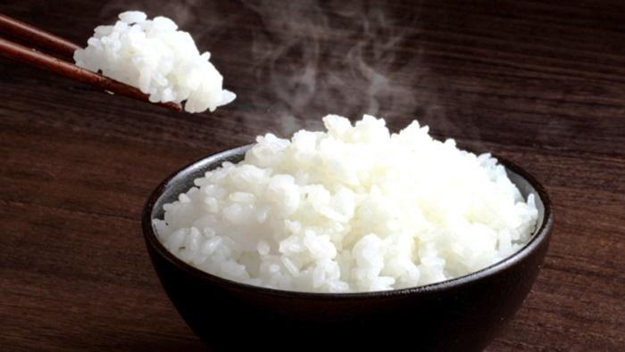 Sering Memanaskan Nasi Kembali ? Cari Tahu Apakah Proses Memanaskan Nasi Kembali Aman Atau Tidak