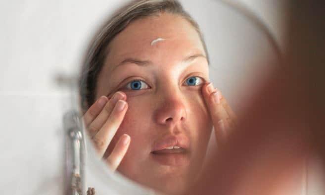 Cara Merawat Kulit Mata