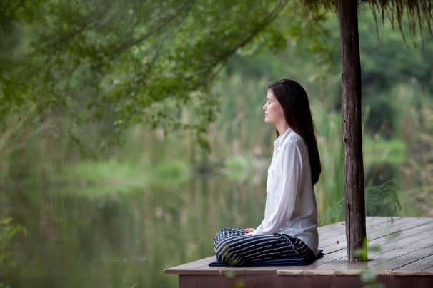 Ahli Menyebut Meditasi Sembuhkan Depresi, Apa Sih Manfaat Utama Melakukannya?