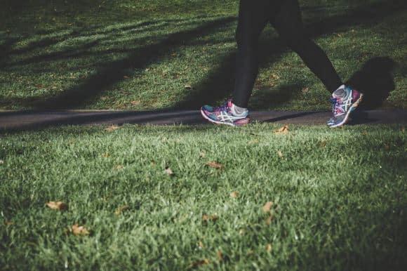 Turunkan Berat Badan dengan Berjalan 15 Menit Sehari, Bisa Tidak Sih?