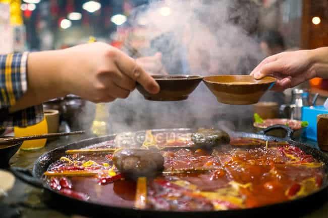 Makan Makanan Hotpot Perempuan Ini Alami Sulit Menelan dan Batuk Darah, Kenapa?