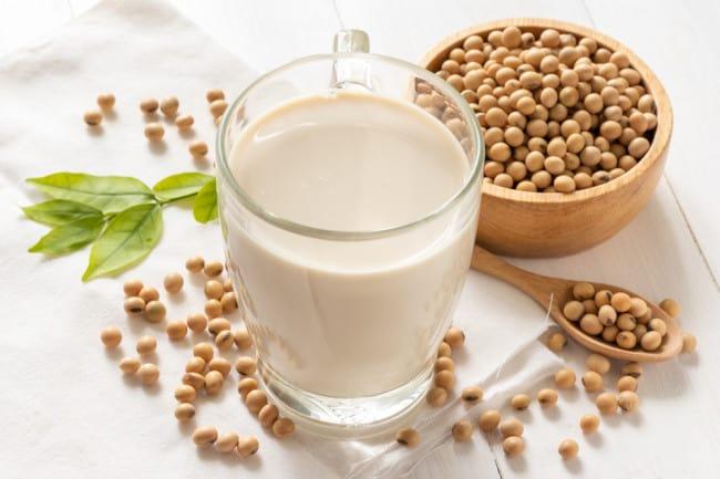 Penderita Diabetes Minum Susu Kedelai, Boleh Tidak?